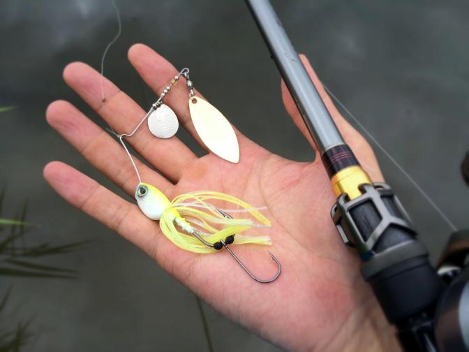 2014年8月31日釣行 ファイト後 ワイヤー伸ばされたハイピッチャー5/8oz #スパークホワイトチャート